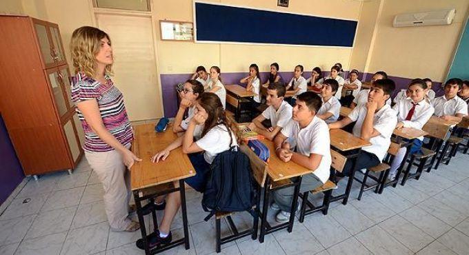 ortaokul öğretmeni ile ilgili görsel sonucu