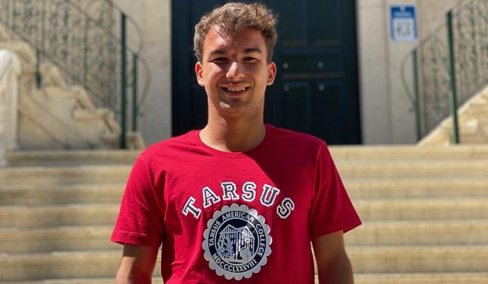 Rice Üniversitesi'nin Kabul Verdiği Dünyadaki 3 Tenisçi Arasında Bir Türk