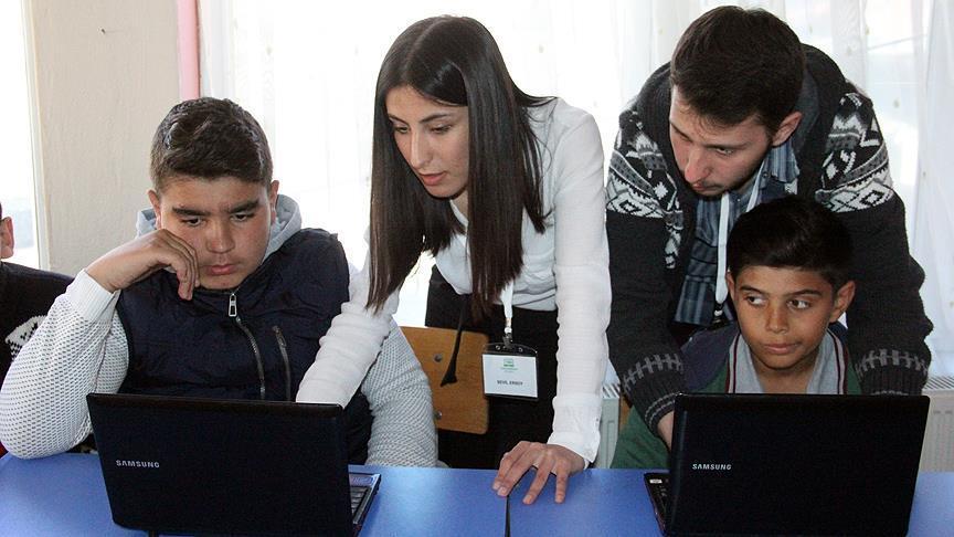 Roman öğrenciler 'kodlama' öğreniyor