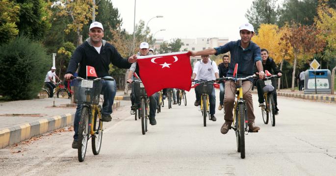 GAÜN Öğrencileri Bisiklet Turu Düzenledi