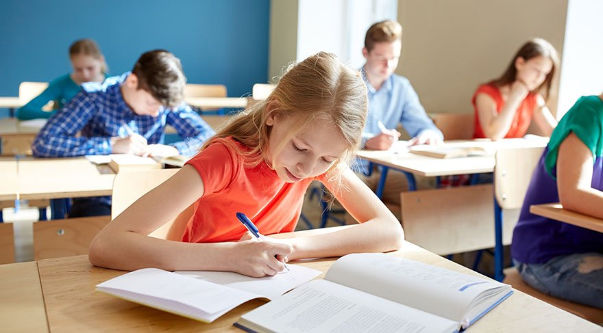 'Görgü okullarda ders olarak okutulmalı'