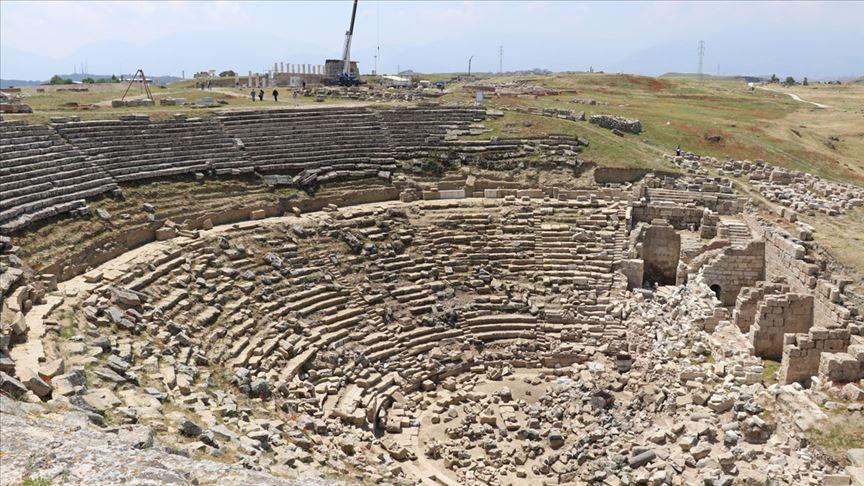 Laodikya'nın 2 bin 200 yıllık tiyatrosu kapılarını ziyaretçilere açacak
