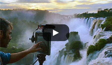 Apple'ın Yeni Reklamı Ölü Ozanlar Derneği'ni Anımsattı