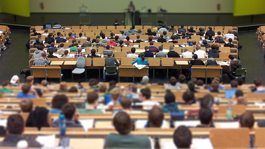 Öğrenim kredisi alan öğrenci sayısı 1 buçuk milyona yaklaştı