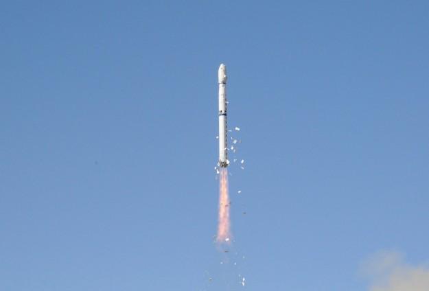 Hindistan Uzaya Kapsül Fırlattı