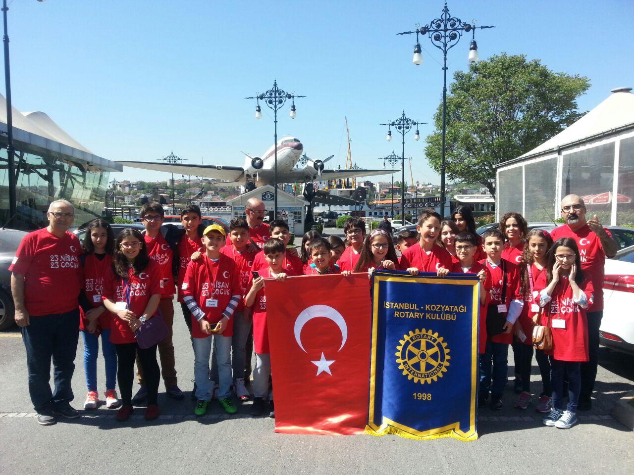 Kozyatağı Rotary Kulübü'nden 23 Nisan - 23 Çocuk projesi