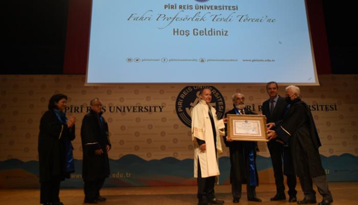 """Piri Reis Üniversitesi'nden Dr. Bülent Sözer'e """"Fahri Profesörlük"""" Unvanı"""