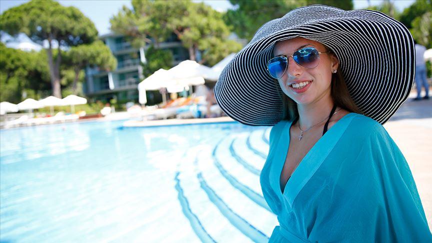 Rus turist sayısı 6 milyonu geçecek