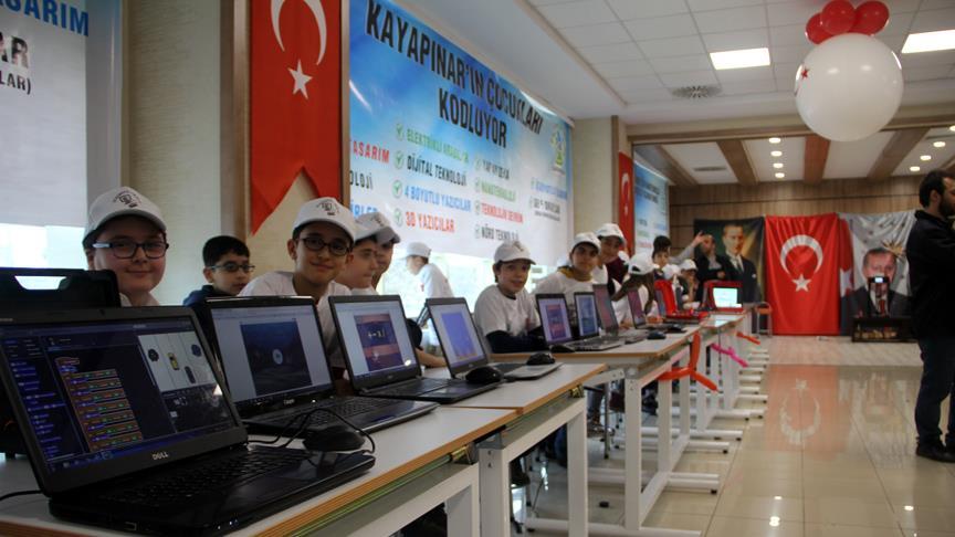Diyarbakırlı öğrenciler teknolojiyle buluşturuluyor