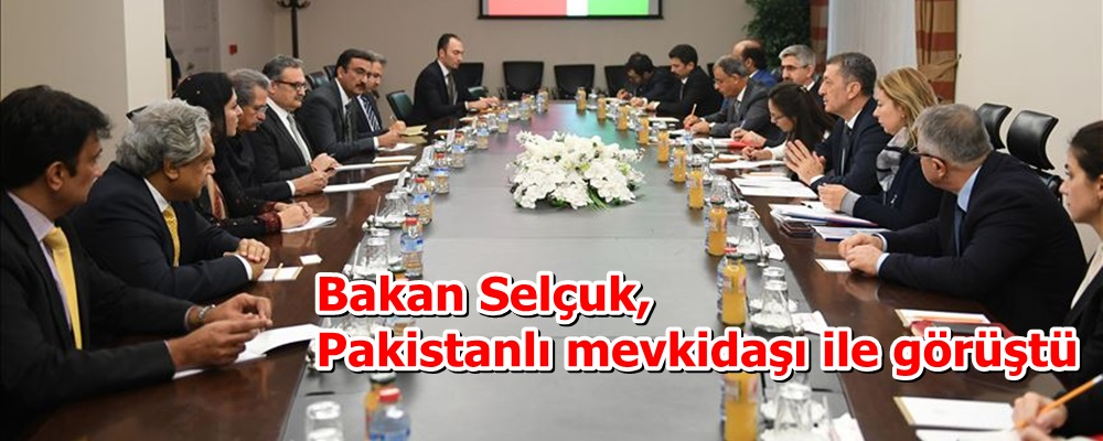 Bakan Selçuk, Pakistanlı mevkidaşı ile görüştü