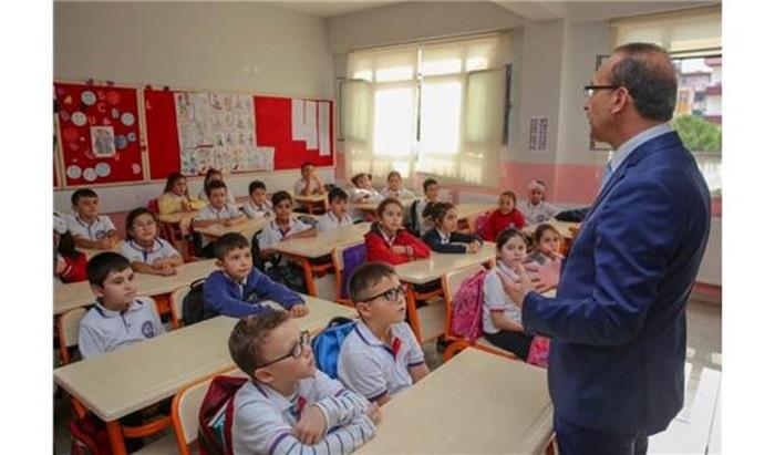 Vali Yavuz'dan öğretmenlere destek