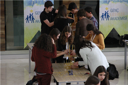 Uluslararası Antalya Üniversitesi Antalya'lı Gençleri Silikon Vadisi'ne Götürüyor