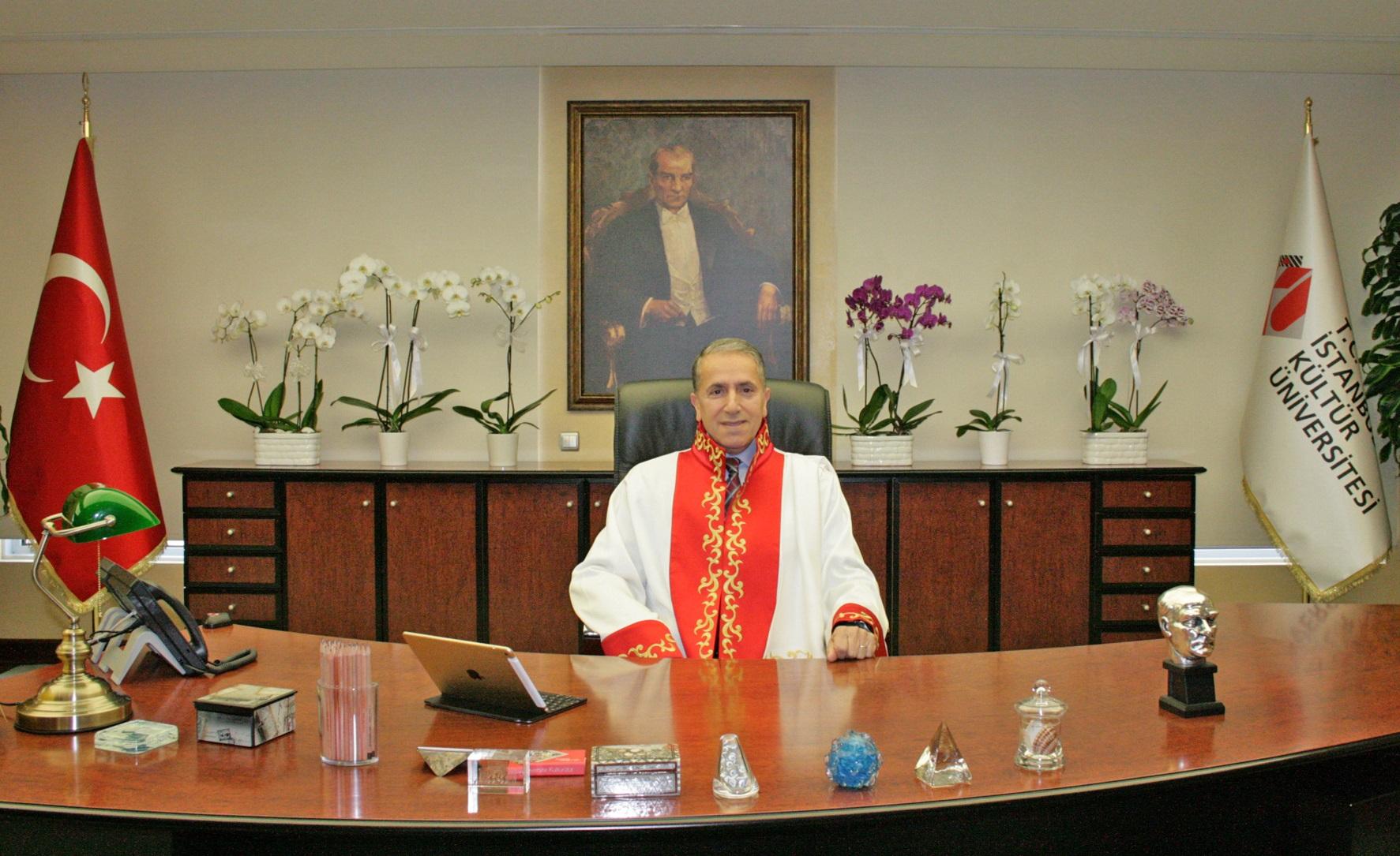 İSTANBUL KÜLTÜR ÜNİVERSİTESİ'NE YENİ REKTÖR