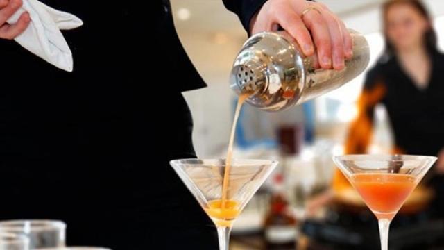 Alkollü İçki ve Kokteyl Hazırlama Dersi de Kaldırıldı