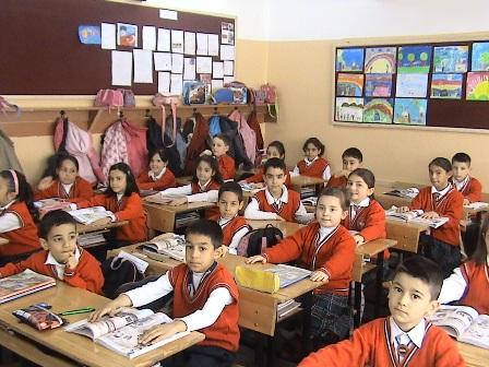 """Çocuklar """"İnsan Hakları, Yurttaşlık ve Demokrasi""""yi masallarla öğrenecek"""
