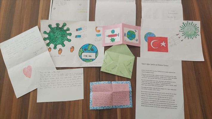 Öğrencilerden Kovid-19 aşısıyla insanlığa umut olan Türk çifte teşekkür mektupları