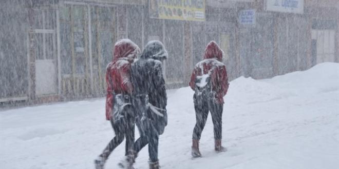 Kar tatili olan iller! Bugün ve yarın hangi illerde okullar tatil?