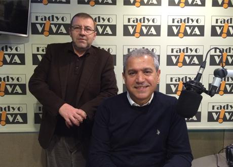 Abbas Güçlü saat 09.00'da Radyo Viva'da yeni sınav sistemlerini ve öğretmenleri konuşacak!