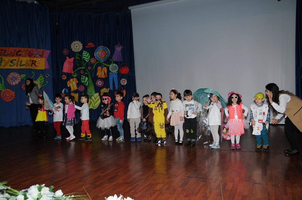 AREL Koleji'nin minik öğrencilerinden geleceğin giysileri