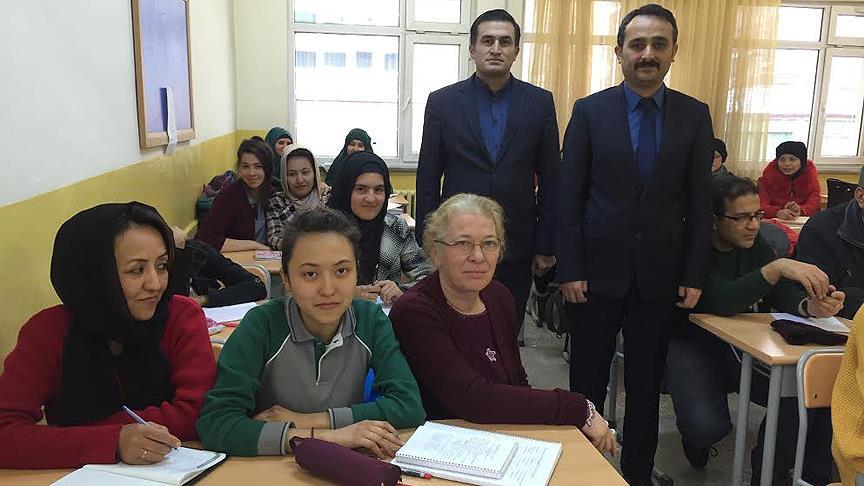 'Savaşın çocukları'na özel sınıfta Türkçe eğitimi