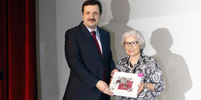 79 yaşında diploma heyecanı
