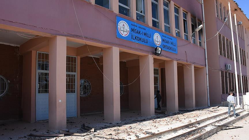 Terör nedeniyle 115 bin 422 öğrencinin ise başka okullara nakledildi