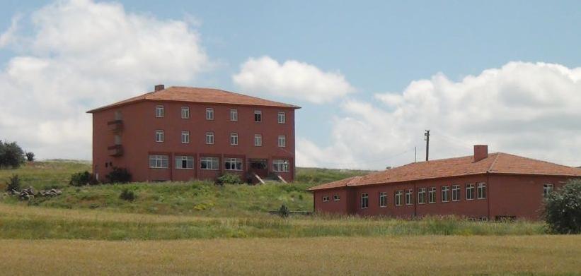 20 yıldır boş halde bulunan sahipsiz okul
