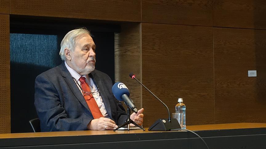 Prof. Dr. İlber Ortaylı: Wikipedia'yı hiç tavsiye etmiyorum