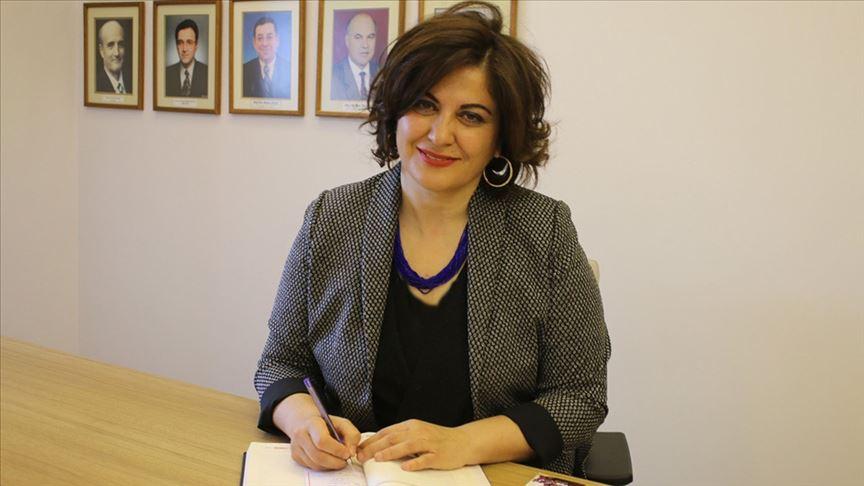 AÜ Tıp Fakültesi kadın dekana emanet