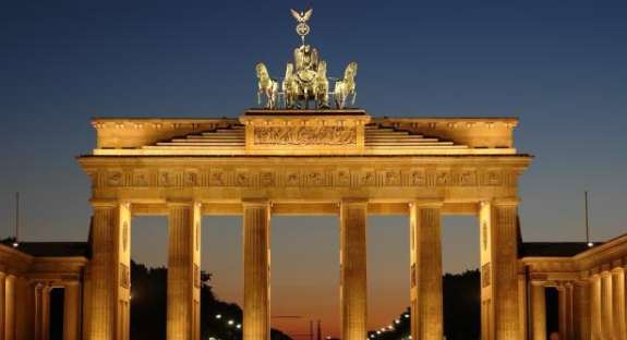 10 yılda Almanya gibi varlıklı olabiliriz