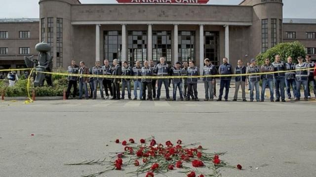 Ankara'da Katliam Yaşanan Meydanın İsmi 'Demokrasi Meydanı' Oldu