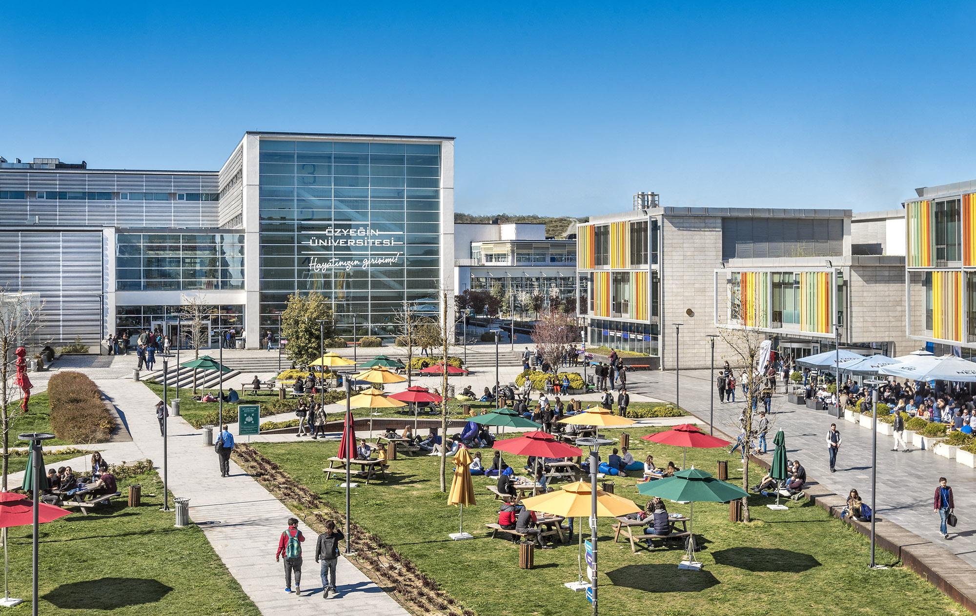 """Özyeğin Üniversitesi, """"THE Impact"""" sıralamasında en iyi 72. üniversite oldu"""