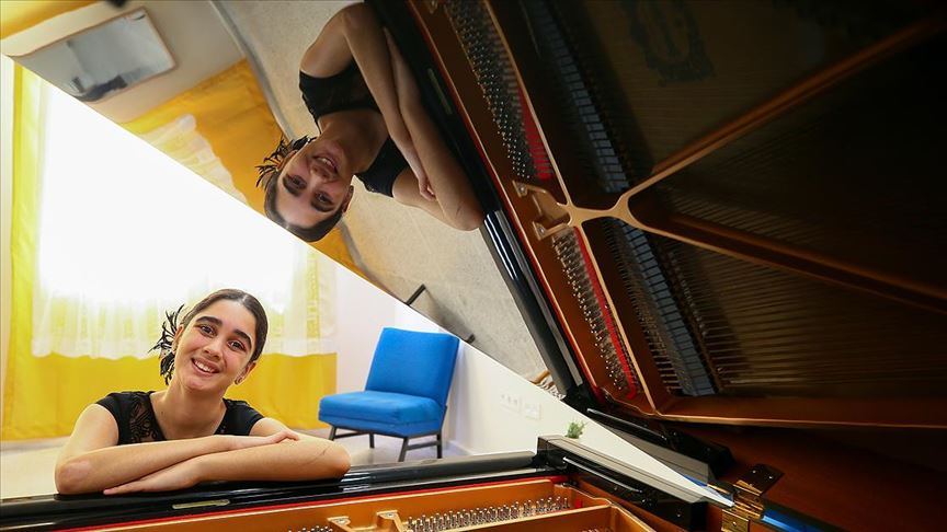 12 yaşındaki piyanist Papatya New York'ta sahne alacak