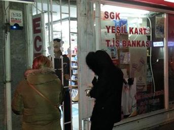İstanbul'da eczaneler saat 00.00'dan sonra kepenk uygulamasına geçiyor