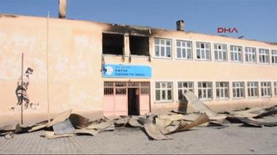Molotofla yakılan 3 okul eğitime başlayamadı