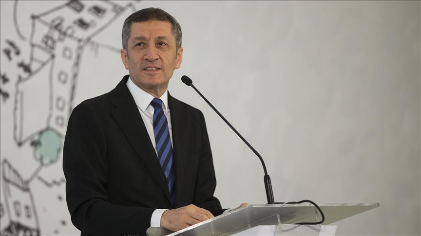 Millî Eğitim Bakanı Selçuk bugün İstanbul'da