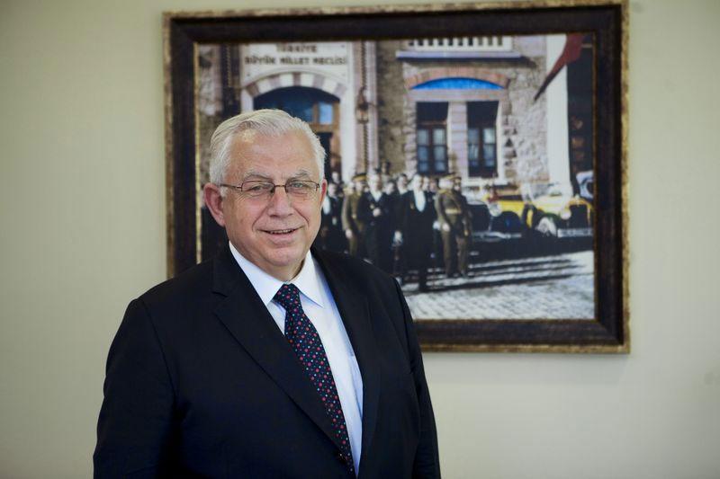 Hocaların Hocası Prof. Dr. Haluk Kabaalioğlu 30 yıl önce kurduğu Avrupa Enstitüsü'nde ders veriyor