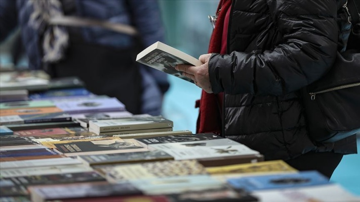Kitap fuarlarına ziyaretçi akını