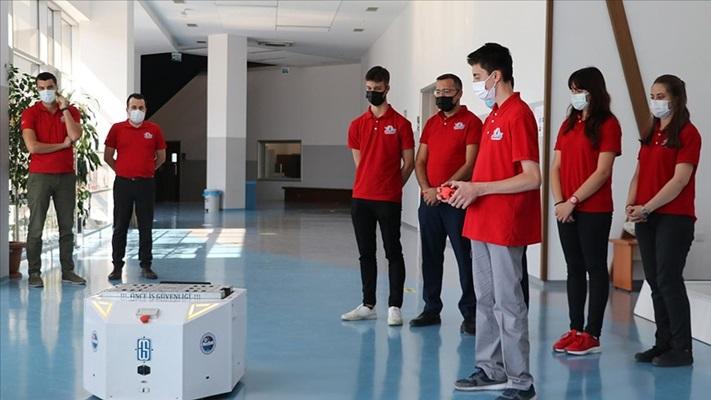 Lise öğrencilerinin tasarladığı lojistik robotu göreve hazır