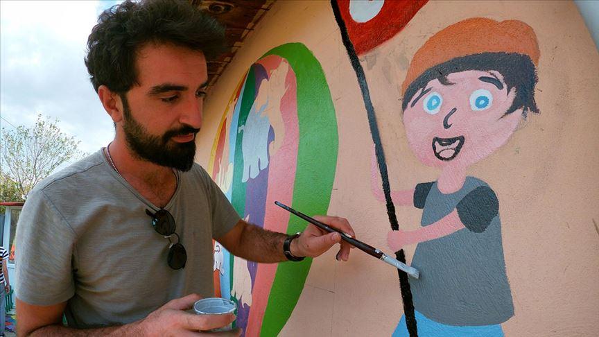 'Gönüllü gençler' eğitim yuvasına renk kattı