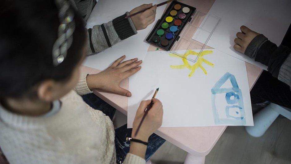 Bakanlık 23 ilde yoksul öğrencilere destek verecek