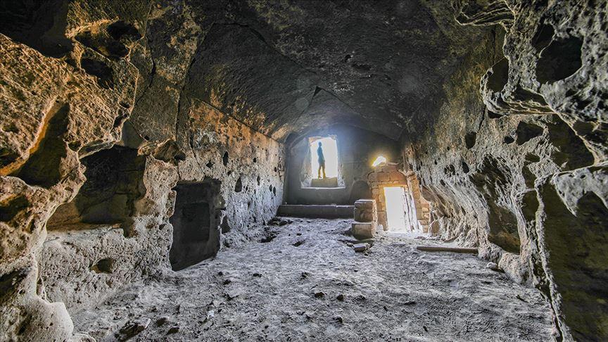 Ahlat'ta 883 yıllık kitabe bulundu