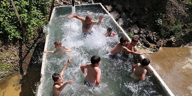 Çocuklar için 'mobil havuz' servisi