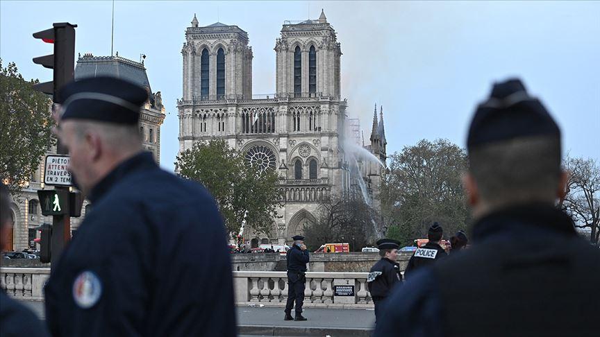 Dünyadan Notre Dame Katedrali için birlik mesajları