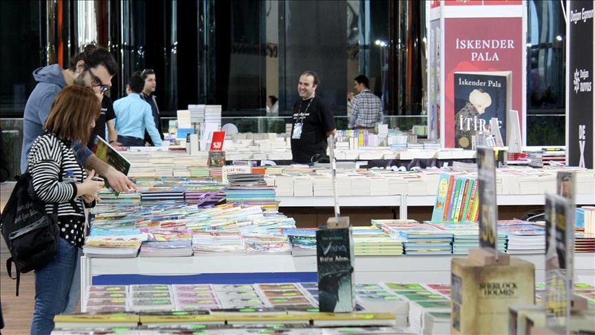 '1. Kitap Fuarı İstanbul' açıldı