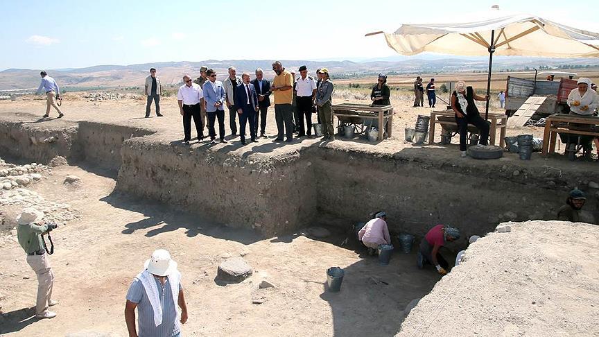 Oluz Höyük'te 2 bin 500 Yıllık Pers sarayı bulundu