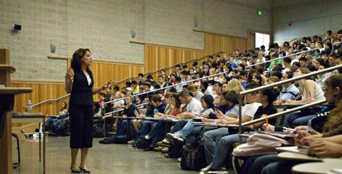Yüksek Öğretimdeki Ücret Adaletsizliği Giderilmelidir