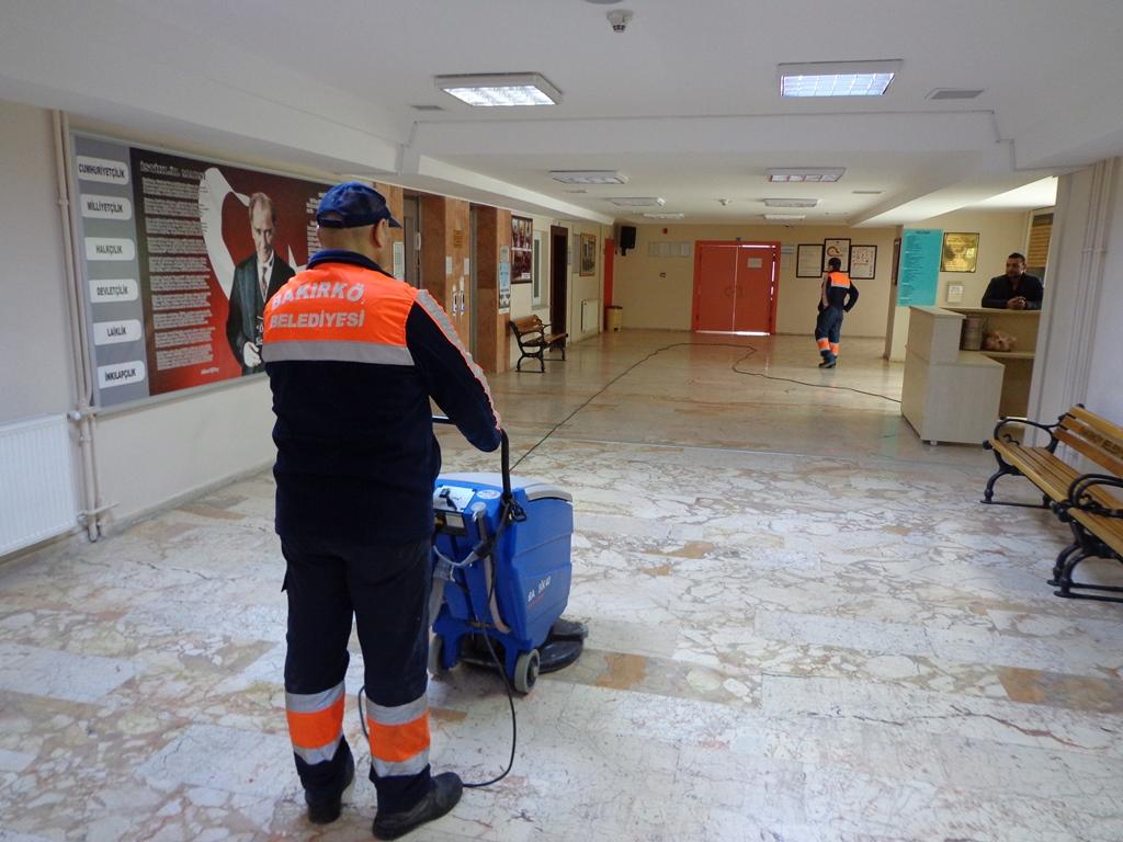 Bakırköy Belediyesi'nden okullara temizlik hizmeti