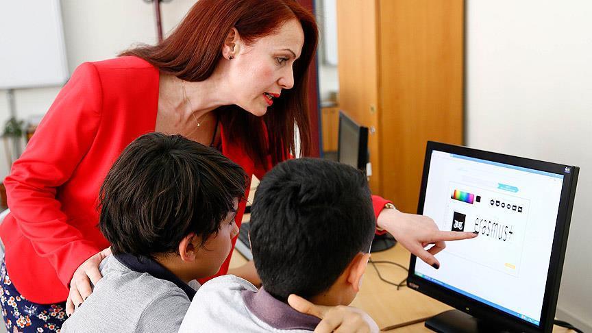 Eğitimde 'oyuncu, yönetmen, öğretmen' modeli