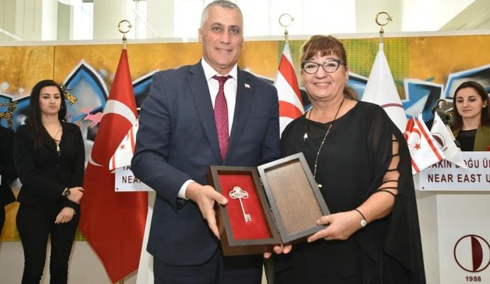 Prof. Dr. E. Yıldız Doyran'a Gümüş Anahtar Onur Ödülü!